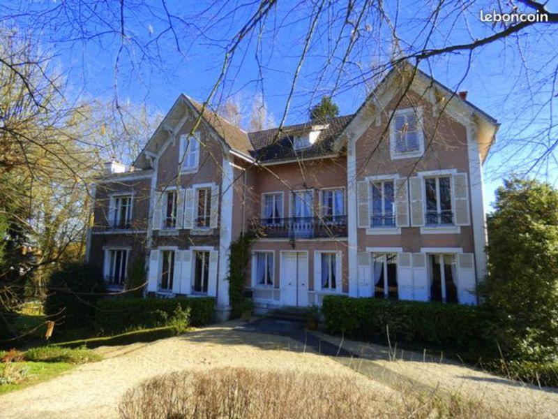 Sale house / villa Luzarches 1250000€ - Picture 1