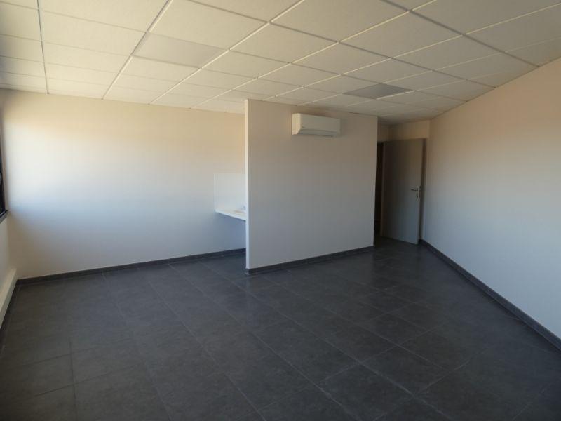 Rental empty room/storage Bram 366,72€ HC - Picture 3