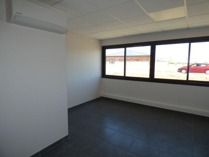 Rental empty room/storage Bram 366,72€ HC - Picture 4