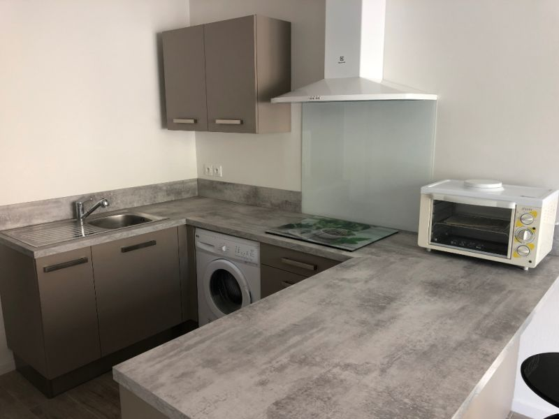 Rental apartment La fare les oliviers 470€ CC - Picture 1