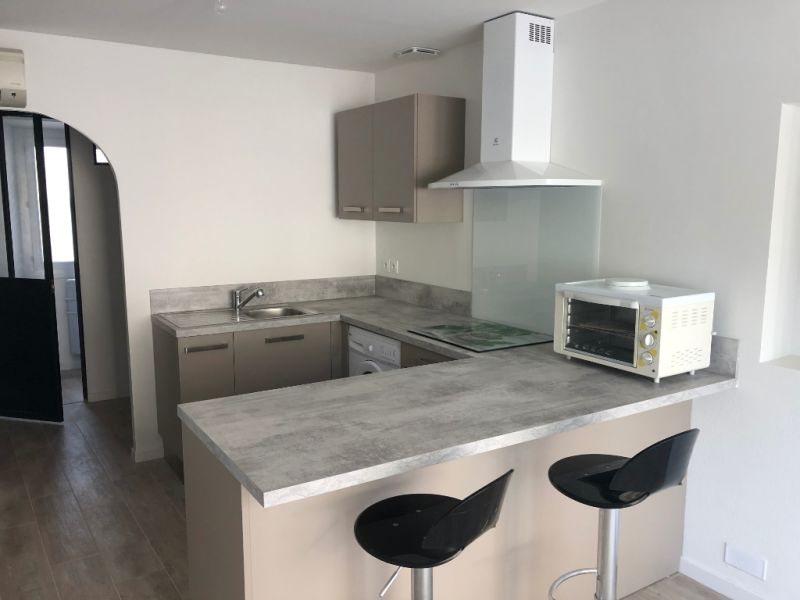 Rental apartment La fare les oliviers 470€ CC - Picture 2