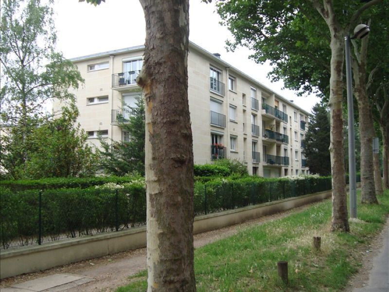 Location appartement Maisons-laffitte 1 420€ CC - Photo 1