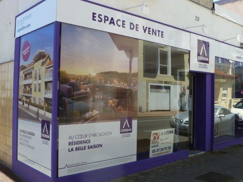 LOCAL COMMERCIAL DE 60 M2 ARCACHON PROCHE CENTRE AVEC VITRIN