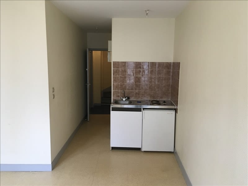 Location appartement Poitiers 349€ CC - Photo 2