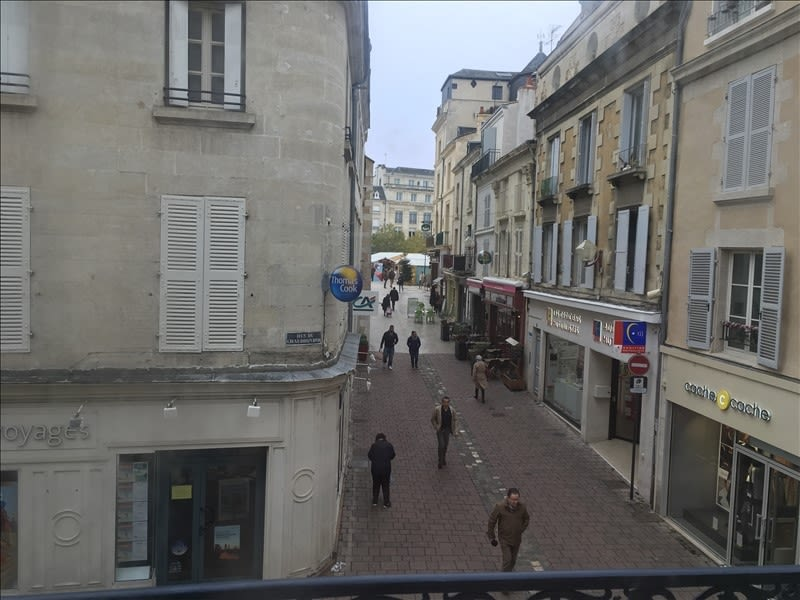 Location appartement Poitiers 349€ CC - Photo 3
