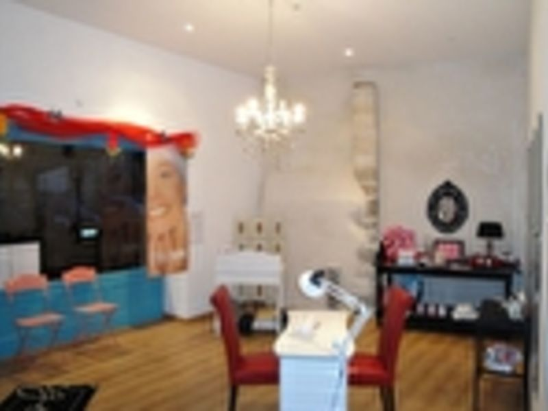 Location local commercial Fontenay le comte 400€ HC - Photo 3