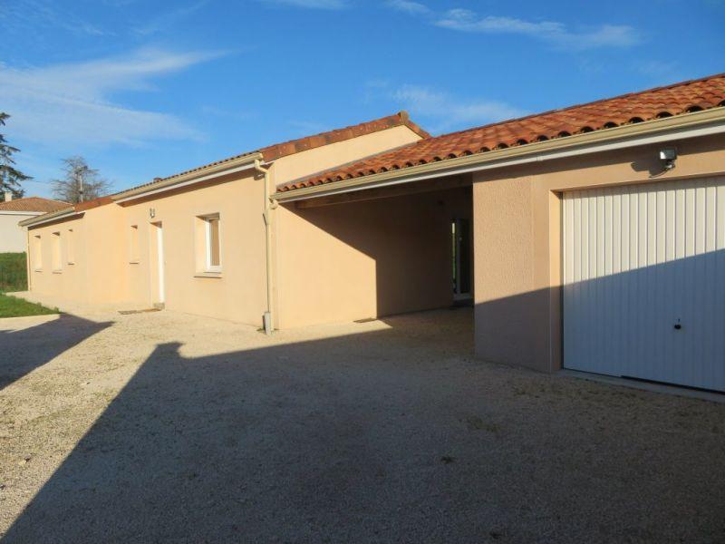 À louer à La Croix-Blanche : maison avec terrasse 3 chambres