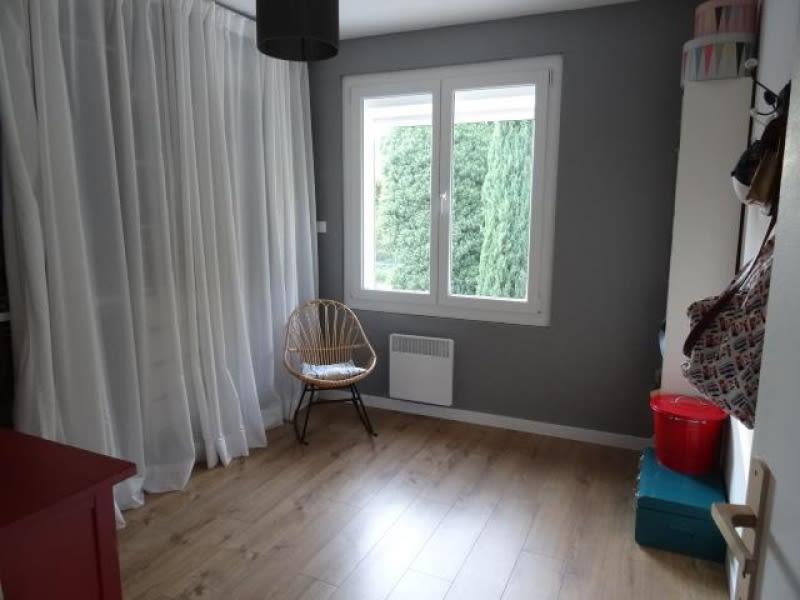 Sale apartment Simiane collongue 249900€ - Picture 3