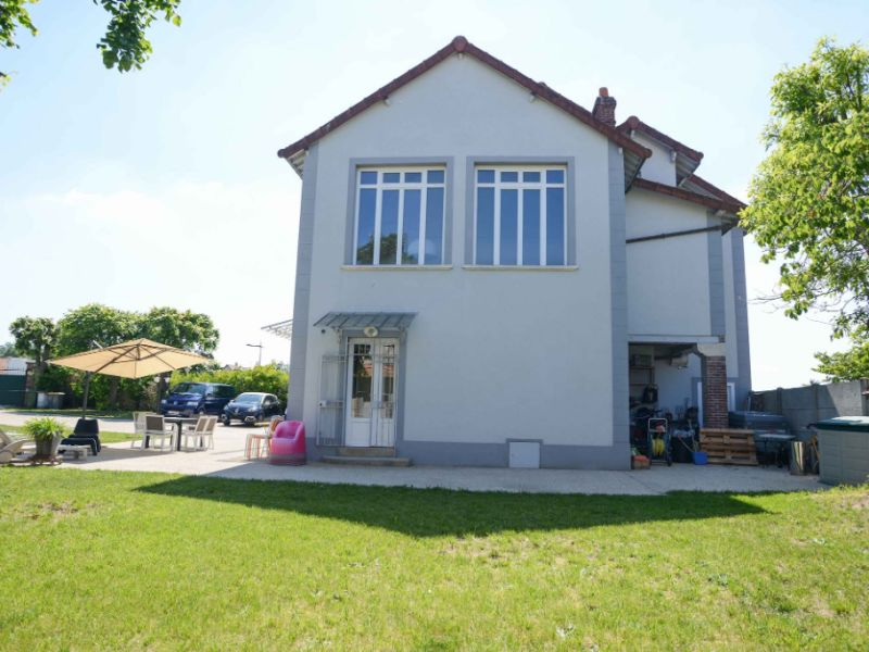 Sale house / villa Freneuse 570 000€ - Picture 3