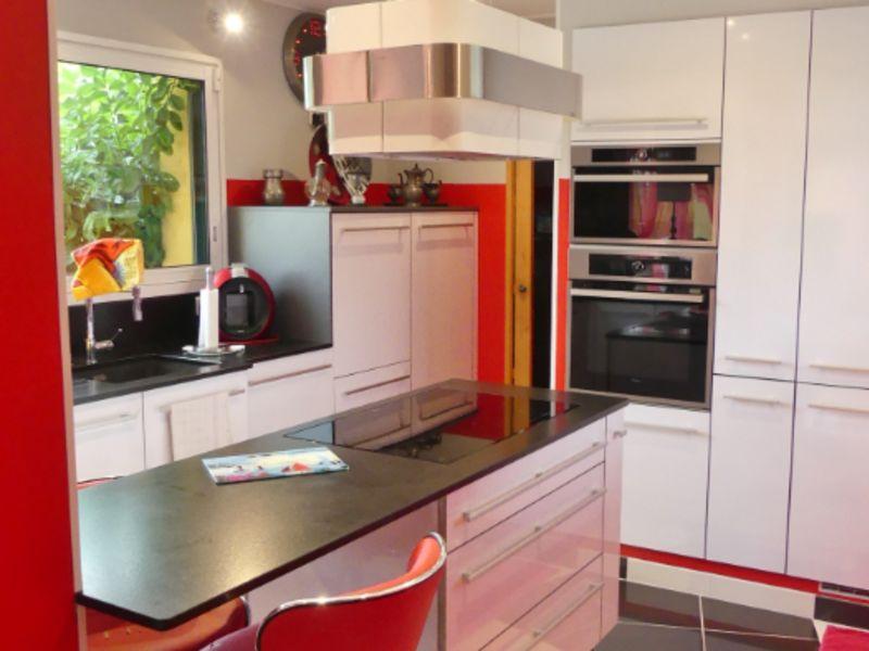 Sale house / villa Ploneour lanvern 330750€ - Picture 8