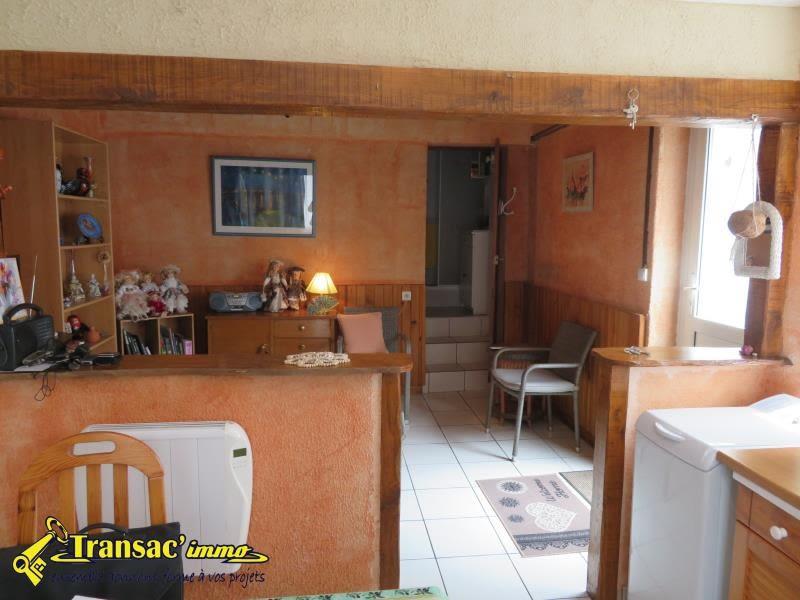 Sale house / villa Chateldon 39600€ - Picture 2