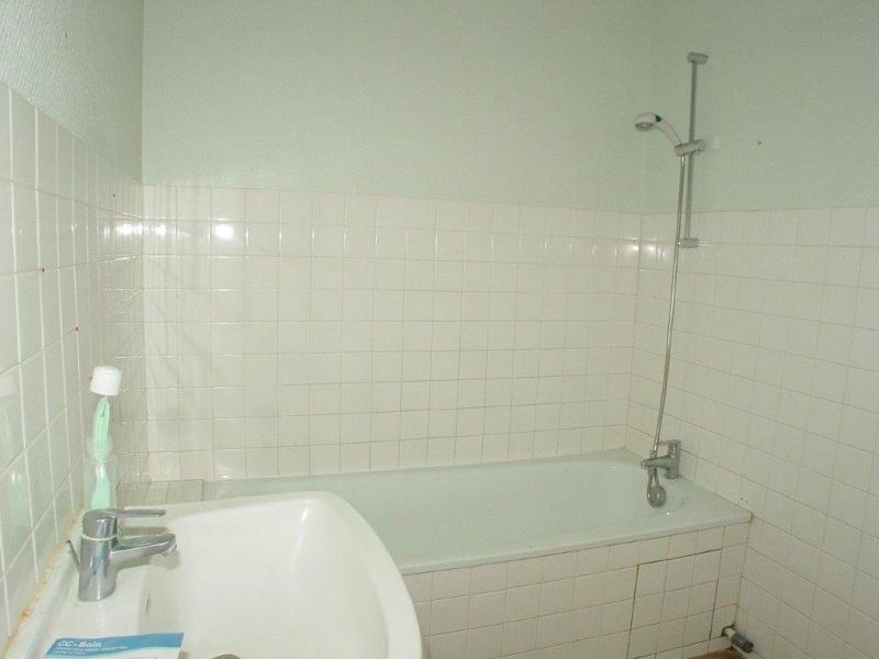 Rental apartment Le chambon sur lignon 349€ CC - Picture 5