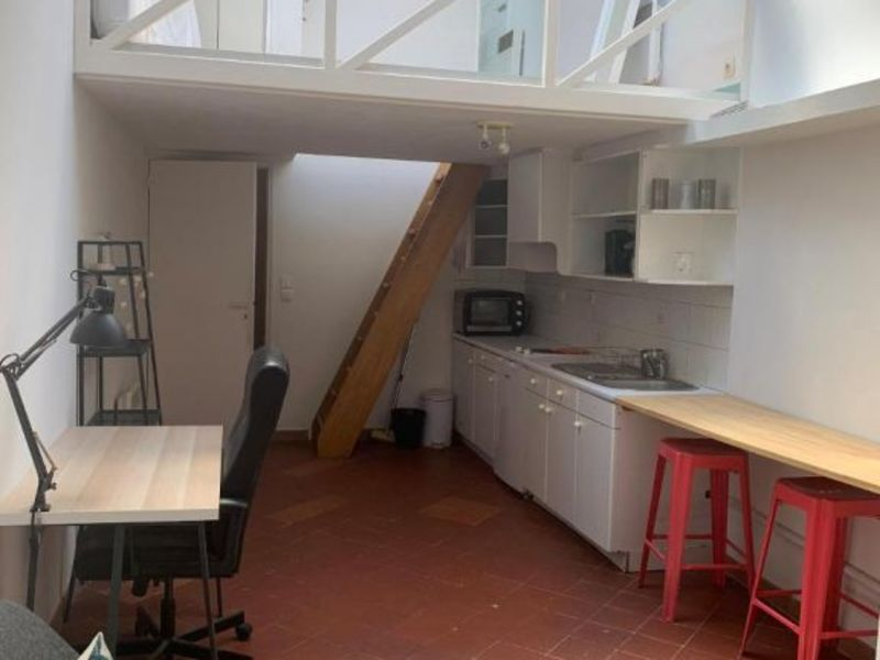 Location appartement Aix en provence 621€ CC - Photo 1