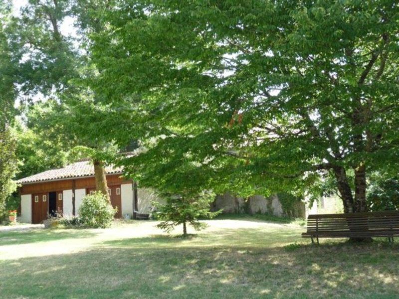 Sale house / villa Nomdieu 590000€ - Picture 6