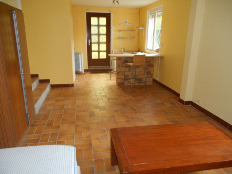 Location appartement Saint quentin 365€ CC - Photo 3
