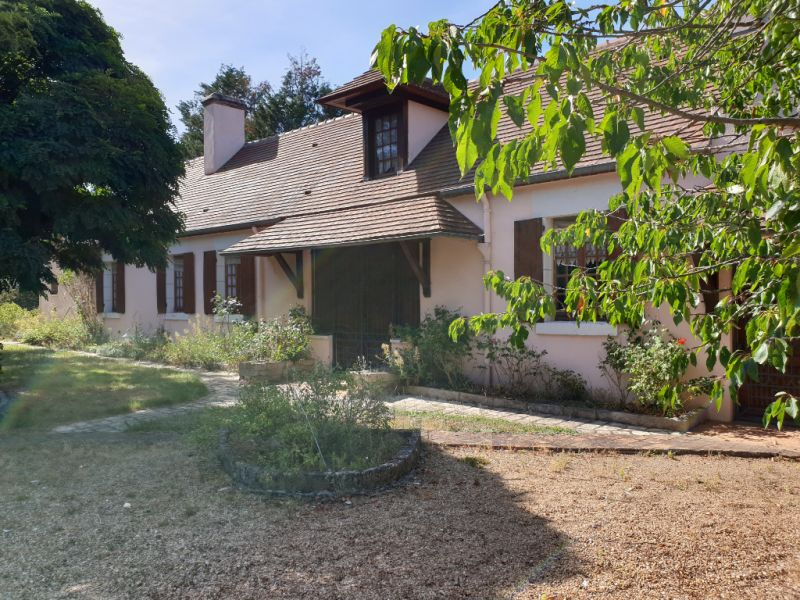 Sale house / villa Neuvy en sullias 324 000€ - Picture 1