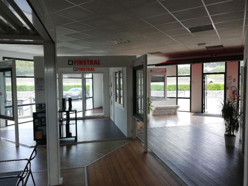 Location local commercial Quimper 2500€ CC - Photo 2