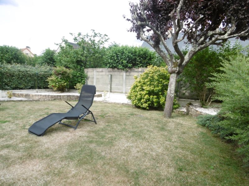 Sale house / villa Yvre l eveque 288750€ - Picture 4