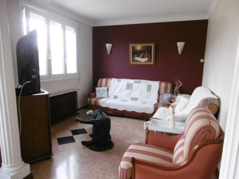Sale house / villa Yvre l eveque 288750€ - Picture 5