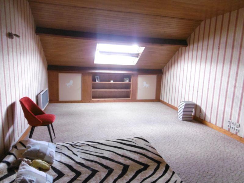 Sale house / villa Yvre l eveque 288750€ - Picture 11