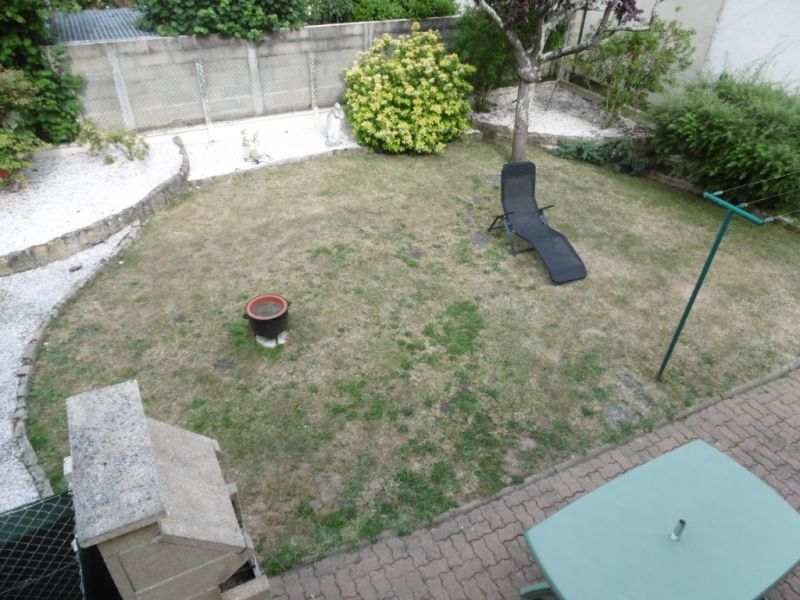 Sale house / villa Yvre l eveque 288750€ - Picture 14