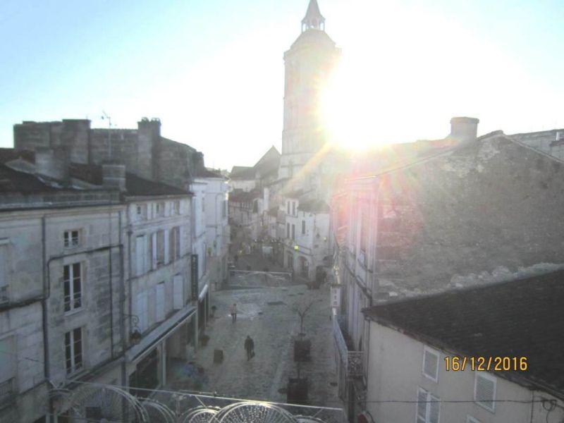 Location appartement Cognac 375€ CC - Photo 4