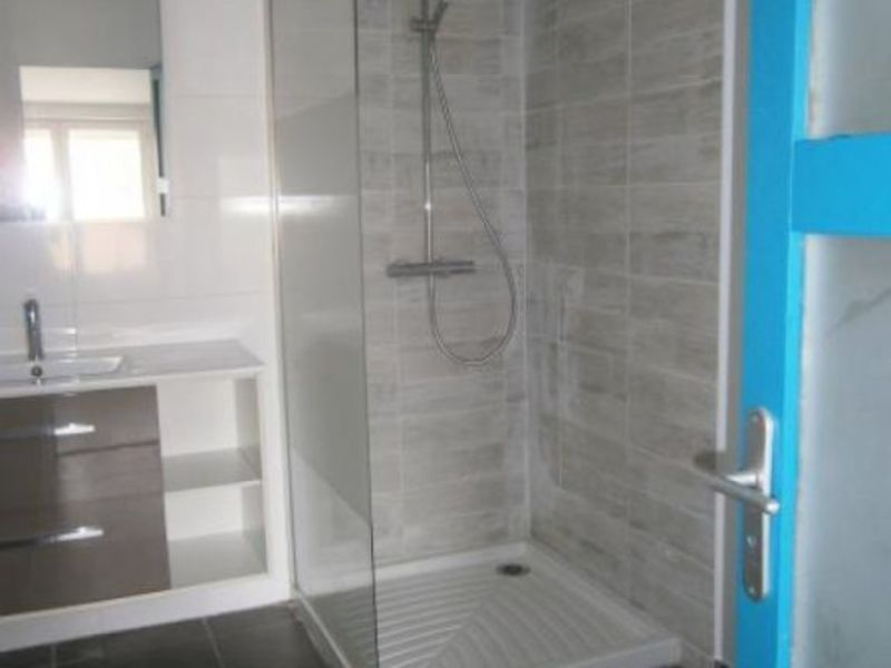 Rental apartment Claira 390€ CC - Picture 3