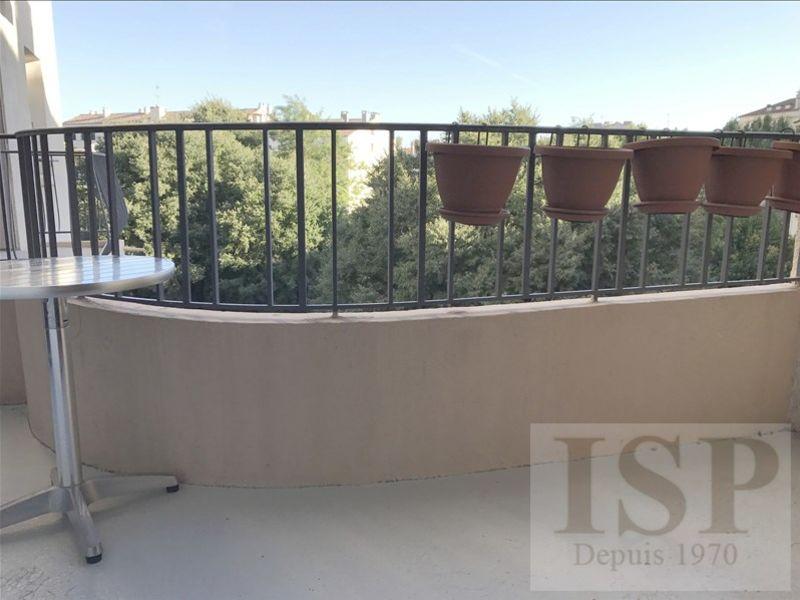 Rental apartment Aix en provence 1327€ CC - Picture 2