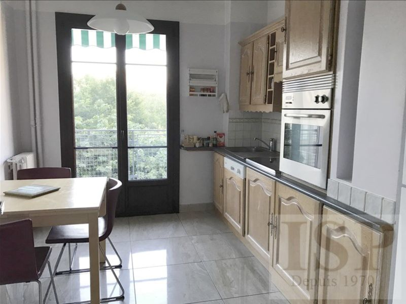 Rental apartment Aix en provence 1327€ CC - Picture 3