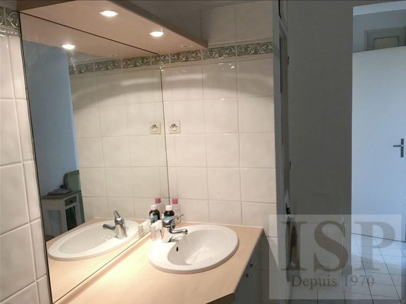Rental apartment Aix en provence 1327€ CC - Picture 9
