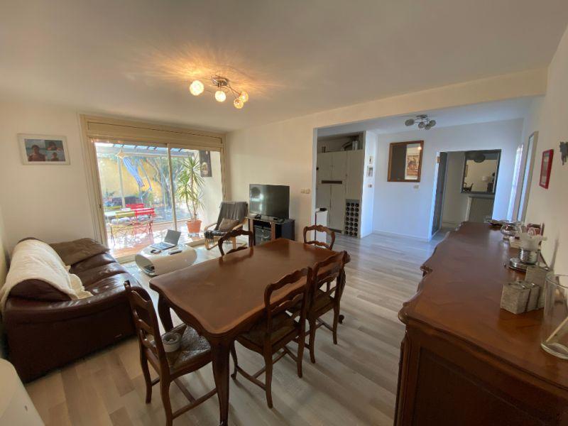 Sale house / villa Les milles 372000€ - Picture 1