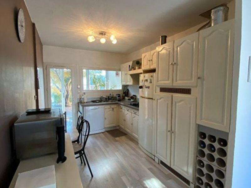 Sale house / villa Les milles 372000€ - Picture 3