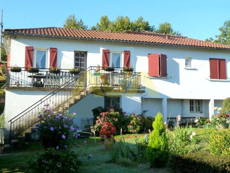 Investment property house / villa Sauveterre-de-béarn 245000€ - Picture 2
