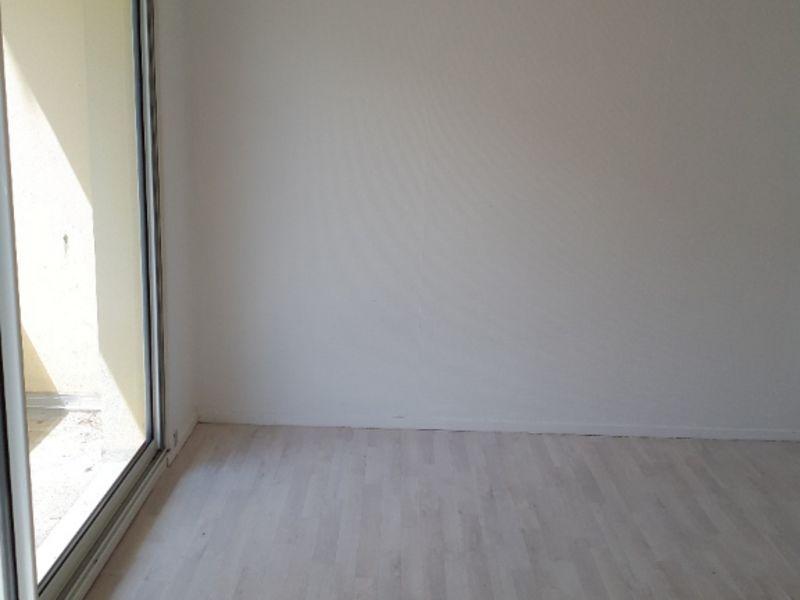 Rental apartment Saint quentin 620€ CC - Picture 7