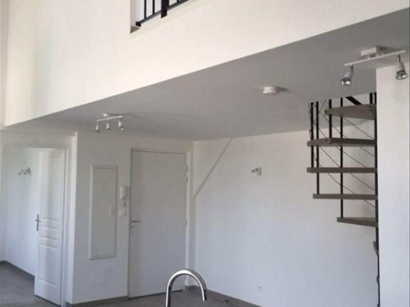Rental apartment Rognes 774€ CC - Picture 3