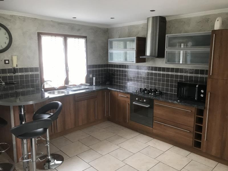 Sale house / villa Villefontaine 285 000€ - Picture 3