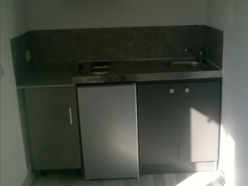 Location appartement St maixent l ecole 270€ CC - Photo 1