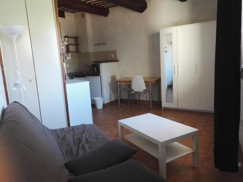 Location appartement Aix en provence 514€ CC - Photo 2
