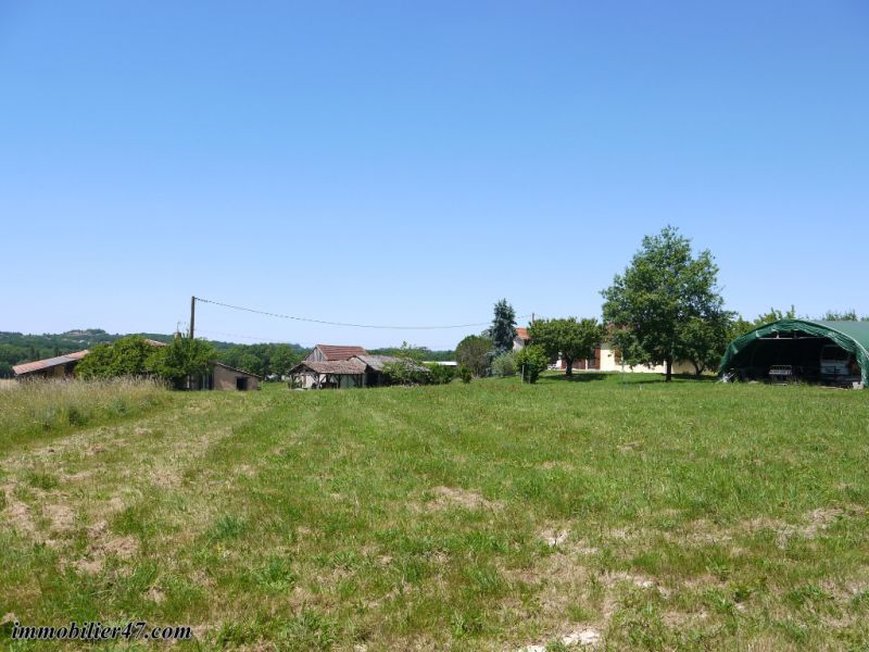 Sale house / villa Tombeboeuf 319500€ - Picture 2