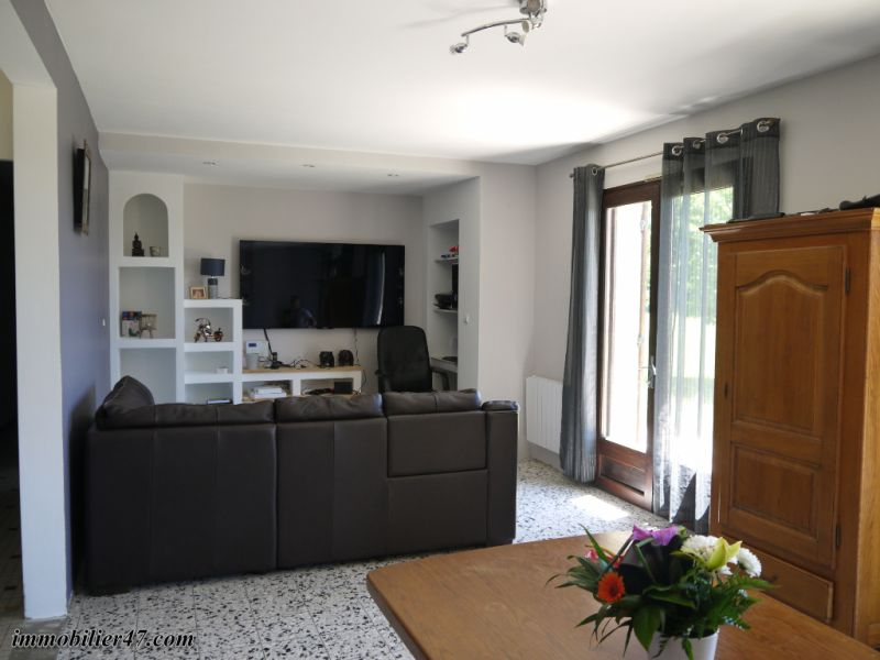 Sale house / villa Tombeboeuf 319500€ - Picture 6