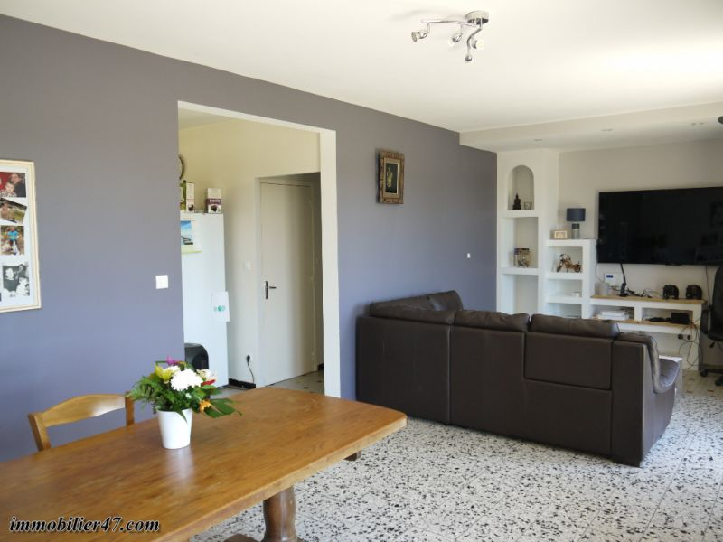 Sale house / villa Tombeboeuf 319500€ - Picture 7