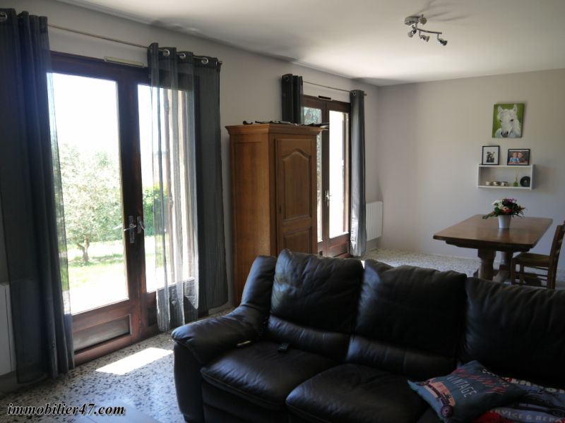Sale house / villa Tombeboeuf 319500€ - Picture 8