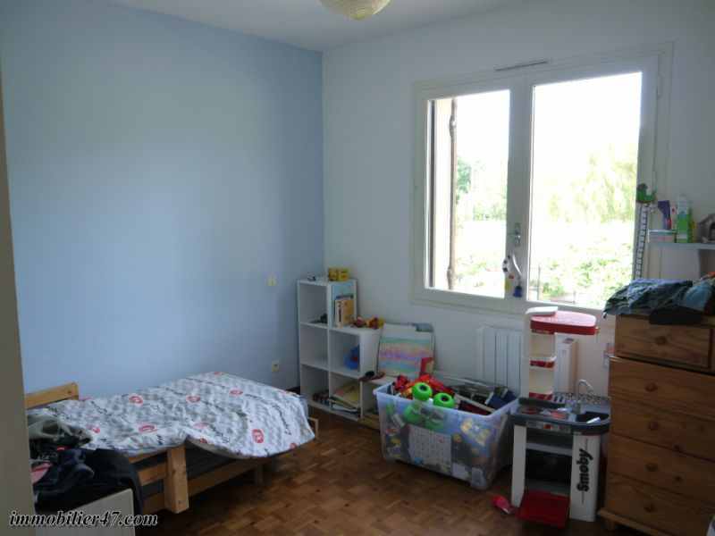 Sale house / villa Tombeboeuf 319500€ - Picture 12