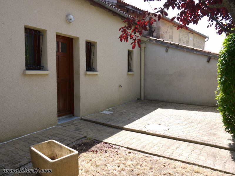 Location appartement Tombeboeuf 469€ CC - Photo 4