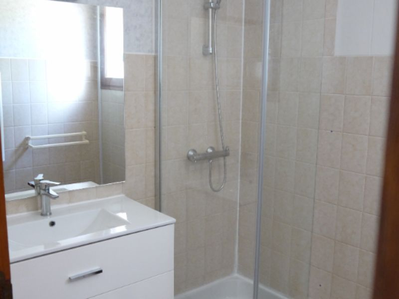 Location appartement Tombeboeuf 469€ CC - Photo 11
