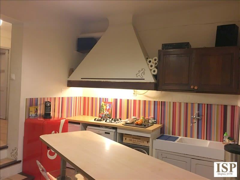 Rental apartment Les milles 822€ CC - Picture 2