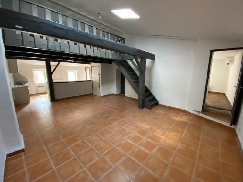 Rental apartment Les milles 900€ CC - Picture 2