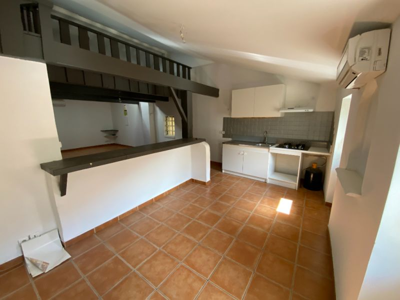 Rental apartment Les milles 900€ CC - Picture 3