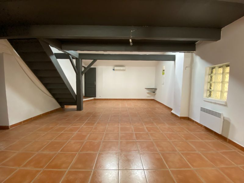 Rental apartment Les milles 900€ CC - Picture 4