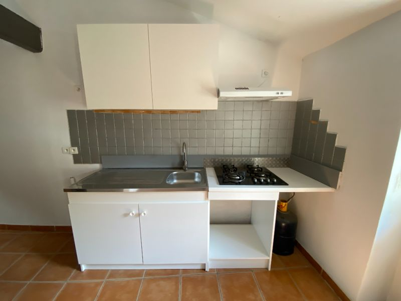 Rental apartment Les milles 900€ CC - Picture 6